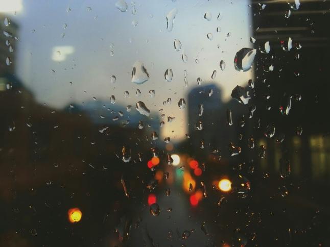 雨天的窗戶